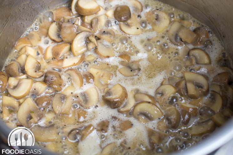 Mushroom-Gravy-20141225-04